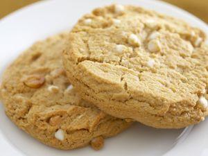 Cookies mit weißen Schokostückchen Rezept