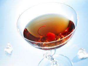 Cooler mit Cocktailkirsche Rezept