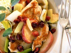 Couscous mit Hähnchen, Gemüse und Früchten Rezept