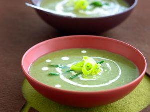 Cremesuppe aus grünem Gemüse Rezept