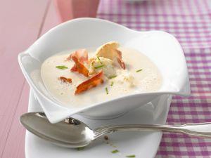 Cremige Blumenkohlsuppe mit Bacon Rezept