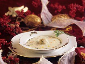 Cremige Gänsesuppe mit Klößchen zu Weihnachten Rezept