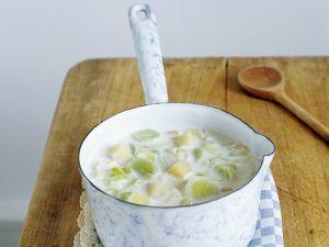 Cremige Kartoffel-Porree-Suppe Rezept