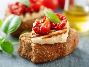 Crostini mit Käse und Tomaten Rezept