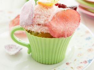 cupcakes mit rosa frosting rezept eat smarter. Black Bedroom Furniture Sets. Home Design Ideas