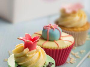 Cupcakes mit Vanille-Butter-Creme Rezept