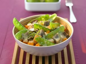 Curry mit Auberginen und Kaiserschoten Rezept