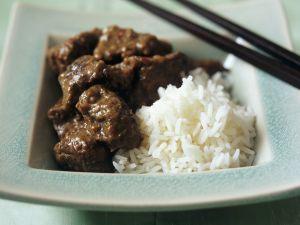 Curry mit Rindfleisch dazu Reis Rezept
