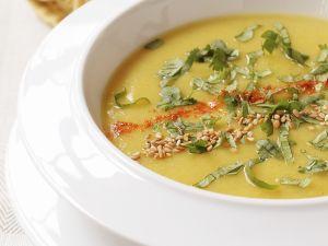Curry-Pastinaken-Suppe mit Koriander Rezept