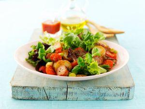 Deftiger Blattsalat mit Kartoffeln Rezept