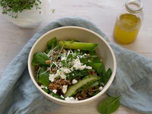 Dinkelsalat mit grünem Spargel und Feta Rezept