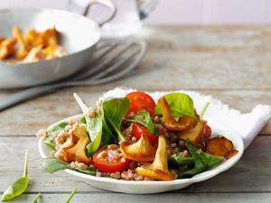 Dinkelsalat mit Spinat und Pilzen Rezept