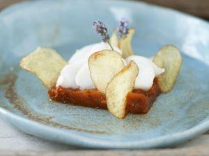 Dorsch mit pikantem Tomatenkompott und zitronigen Kartoffelchips Rezept