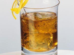 Drink mit Whisky und Drambuie Rezept