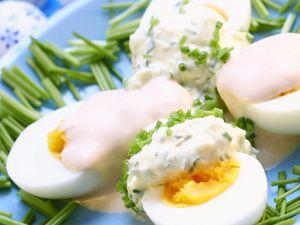 Eier mit Mayonnaisesauce Rezept