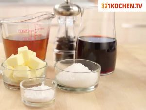 Einfache Sauce vom Bratensatz