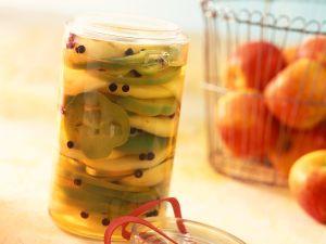 Eingelegter Paprika mit Apfel Rezept