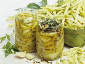 Eingemachte Bohnen mit Knoblauch Rezept