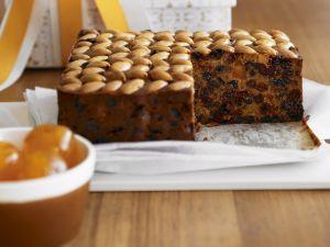 Früchtekuchen mit Mandeln auf englische Art Rezept