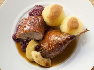 Ente mit Blaukraut und Kartoffelknödeln Rezept