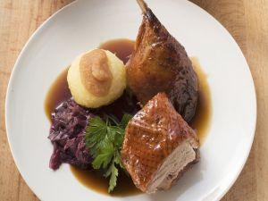 Ente mit Rotkraut und Knödel Rezept
