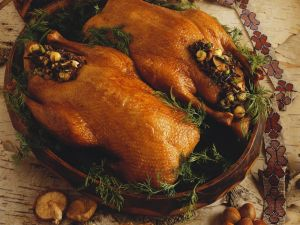 Entenbraten mit Pilz-Haselnuss-Füllung Rezept