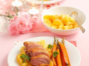 Entenbrustfilet mit Früchten und Möhren Rezept
