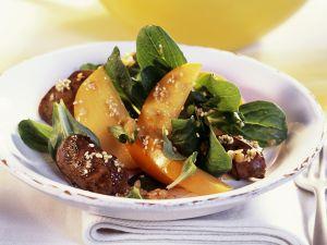 Entenleber mit fruchtigen Rapunzelsalat Rezept