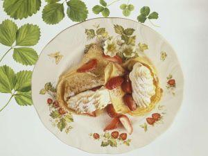 Erdbeer-Baiser-Pfannkuchen Rezept