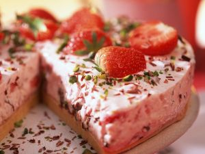 Erdbeer-Eistorte Rezept