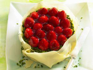 Erdbeer-Pistazien-Torte mit weißer Schokolade Rezept