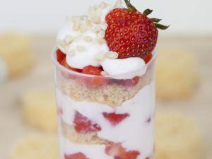 Erdbeer-Quark-Dessert (Push Up Cake Pop) Rezept