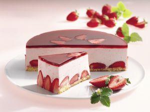 Erdbeercreme-Torte Rezept