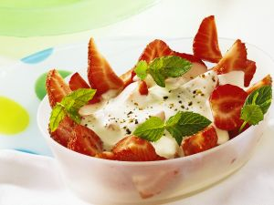 Erdbeeren mit Käsesauce Rezept
