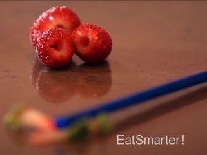Wie man Erdbeeren am besten putzt