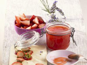 Erdbeergelee mit Lavendel Rezept