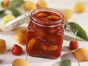 Erdbeerkonfitüre mit Aprikosen Rezept