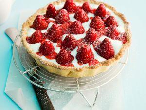 Erdbeertarte mit Buttermilch Rezept