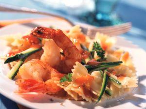 Farfalle mit Zucchini und Garnelen Rezept