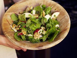 Feldsalat mit Apfel und Käse Rezept