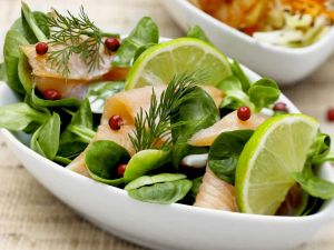 Feldsalat mit Lachs Rezept