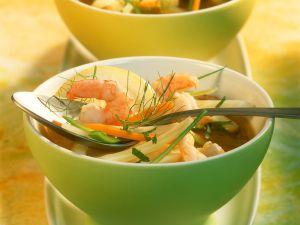 Gemüsesuppe mit Garnelen Rezept