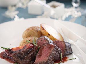 Filet vom Hirsch mit Tamarillo und Kartoffeln Rezept