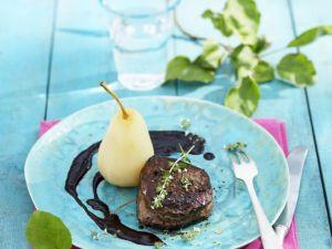 Filetsteak mit Birne und Hollersoße Rezept