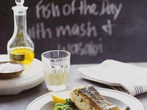 Fisch mit Wasabipüree und Spinat Rezept