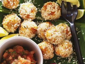 Fischbällchen mit Kokosraspel Rezept