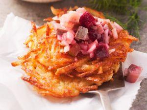 Fischsalat mit Roter Bete Rezept