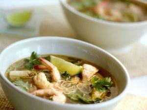 Fischsuppe mit Nudeln Rezept