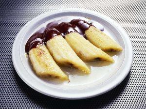 Flambierte Bananen mit Schokosauce Rezept