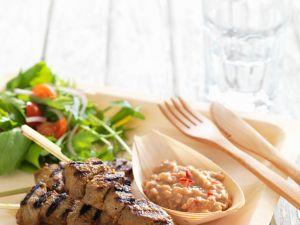 Fleischspieße mit Satésoße vom Grill Rezept